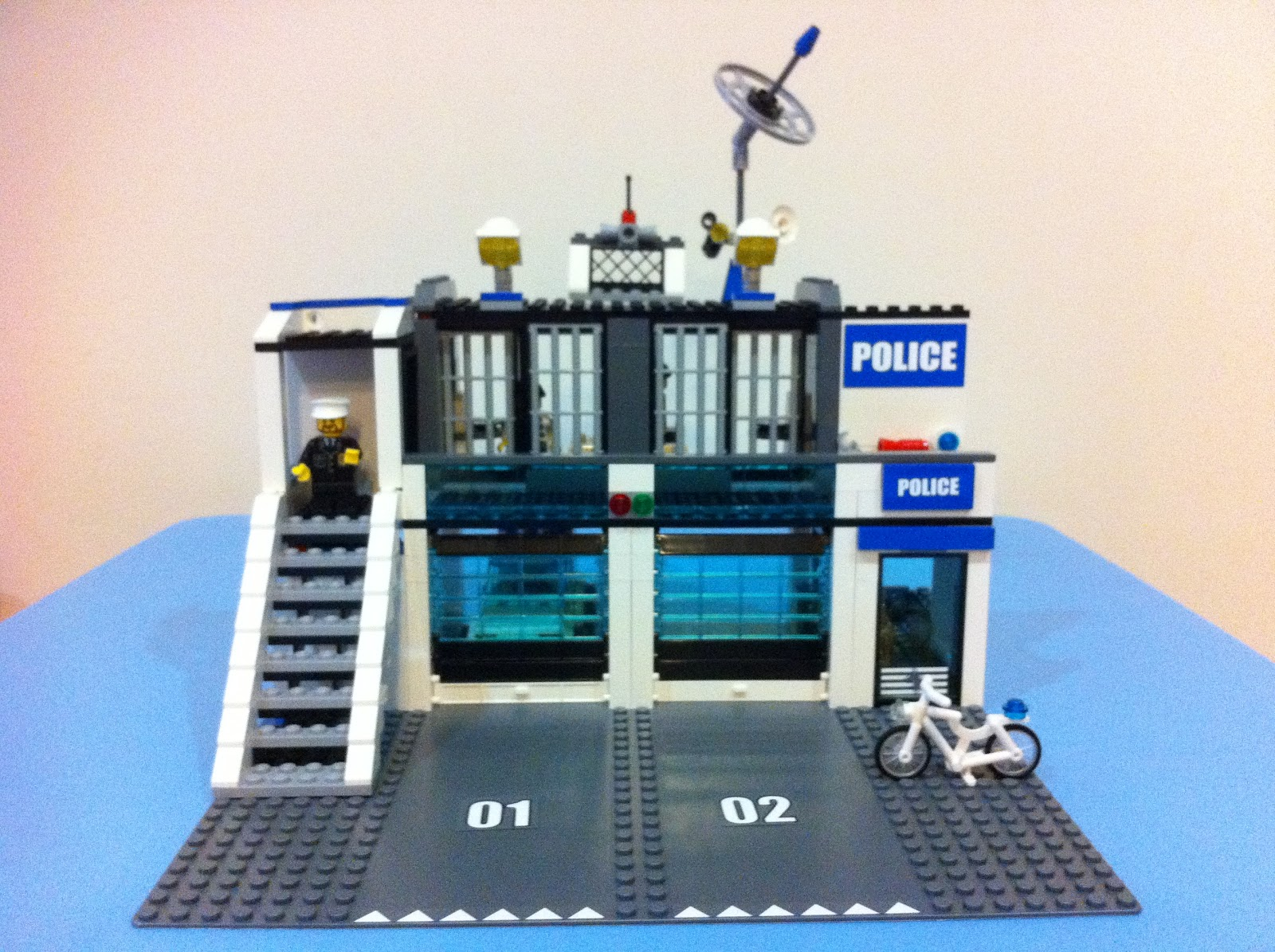 Away From Work Lego City 7498 Police Station Part 1