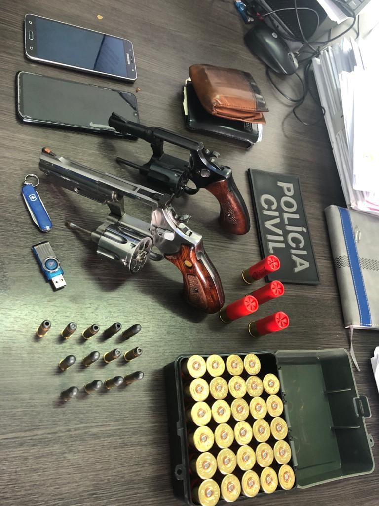 Blog do Gilberto Lima: Médico é preso em flagrante com armas de fogo, mas paga fiança de R$ 20 mil e acaba liberado em Santa Inês