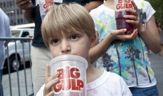 edulcorantes artificiales en bebidas y relación con obesidad y diabetes