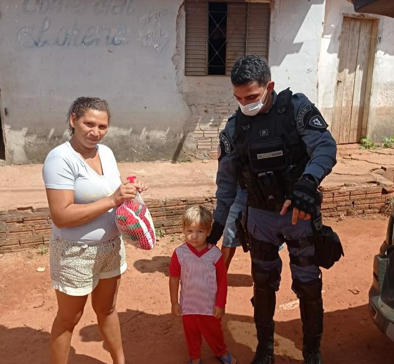 19° BPM de Pedreiras realiza ação solidária com moradores para comemorar os 185 anos da Polícia Militar