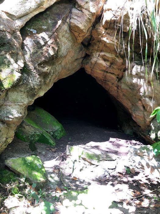 La Cueva del Indio, Vereda las Cruces