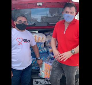 Raniery doa meia tonelada de alimentos à Campanha Guarabira Sem Fome
