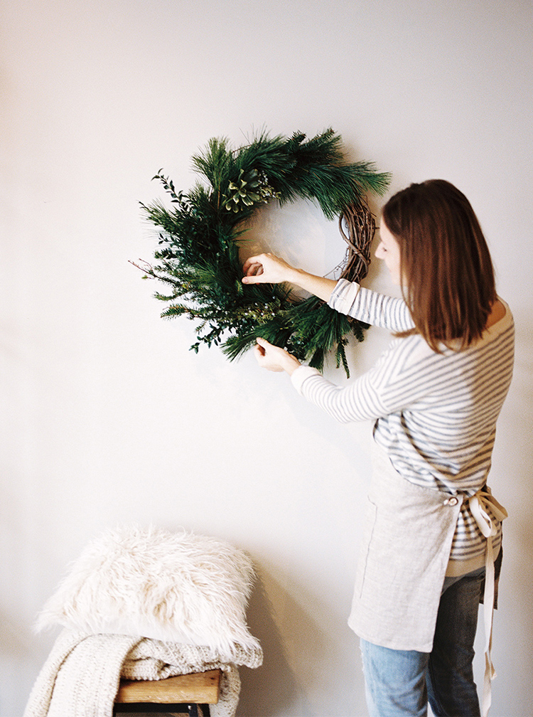 Asymmetrical wreath via Laurelyn Savannah Photography
