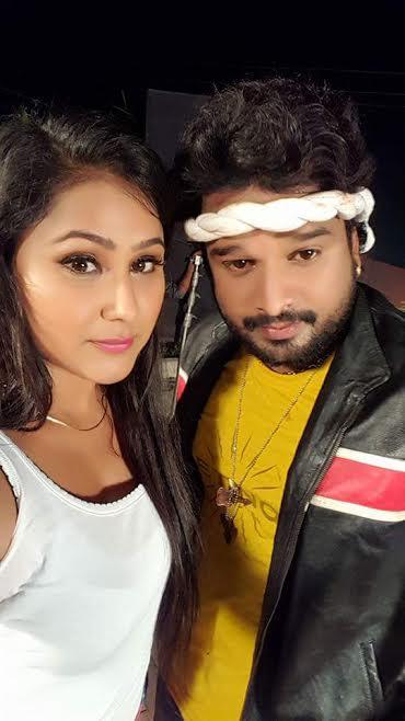 प्रियंका पंडित और रितेश पांडे पहली बार एक साथ फिल्मो में ! | Priyanka Pandit & Ritesh Pandey in First Time in Together