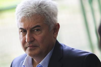 Ministro confirma fim de verba para bolsas do CNPq