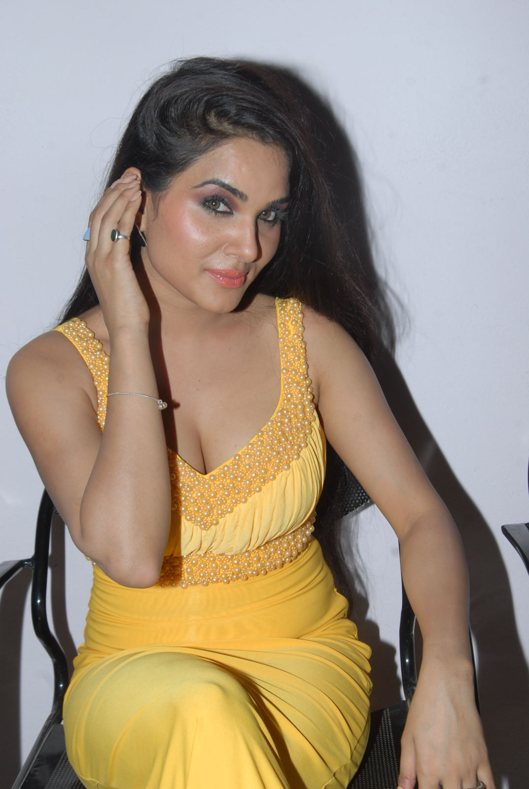 Hot erotic sexy darling Kavya singh hot naughty at half boil audio release