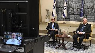 Pesquisa: Metade dos judeus da diáspora deseja contato regular com Israel
