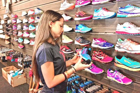 Jangan memilih sepatu karena murah, perhitungkan juga kualitasnya
