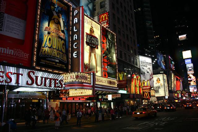 Insegne degli spettacoli di Broadway-New York