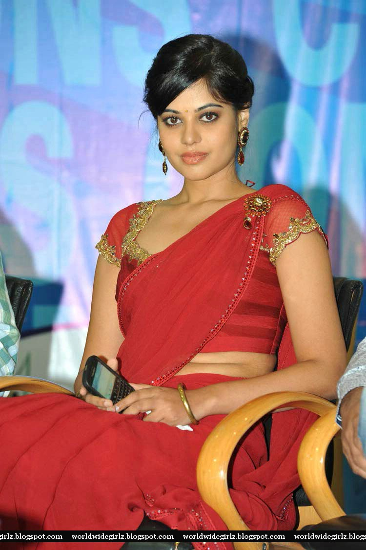 south indian sexy aunty actress bindu madhavi hot in red