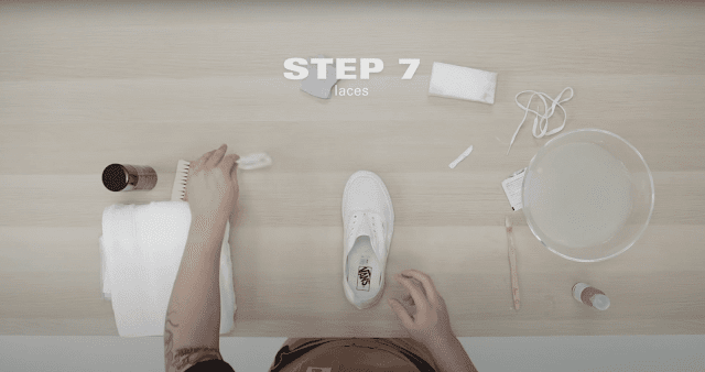 how-to-wash-white-sneakers