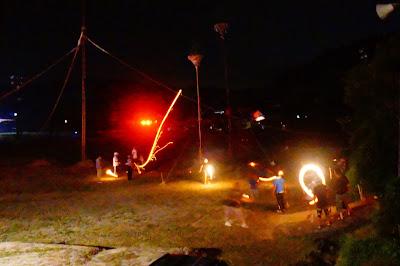 山口県の奇祭!「周防祖生の柱松 」はまるで炎の玉入れだ!