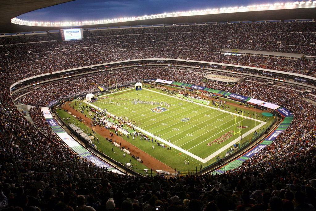 Capacity Crowd: Estadio Azteca
