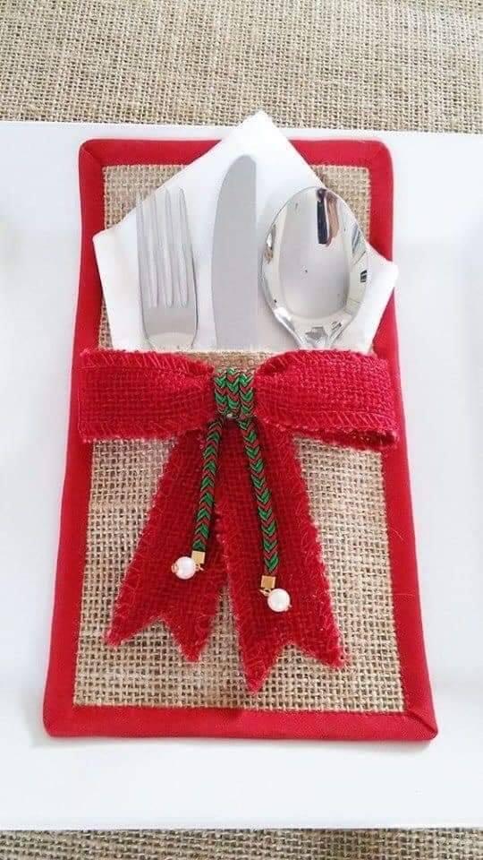 Resultado de imagen para Aprende como hacer lindos porta cubiertos para navidad