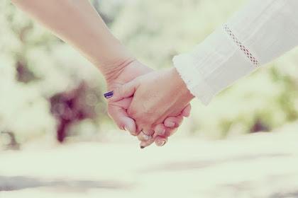 Mengapa Lidahmu Keluh untuk Sekedar Memberi Pujian pada Pasangan