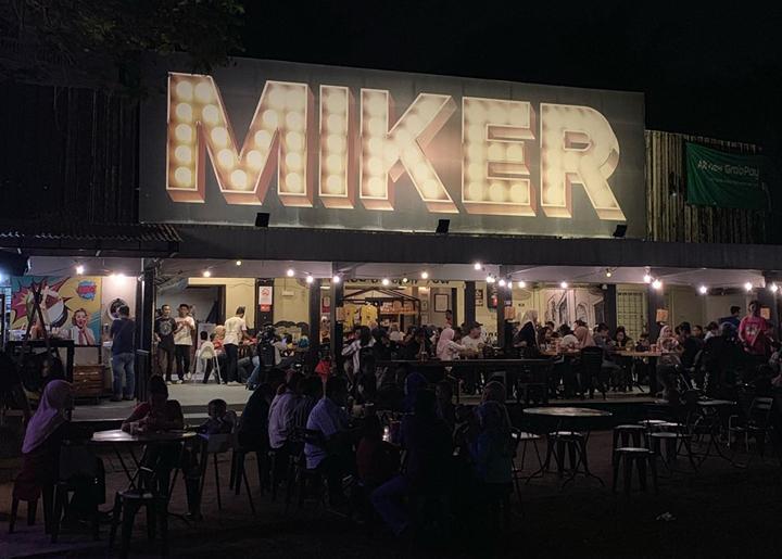 Tomyam Dalam Kelapa Muda restoran Miker Ipoh