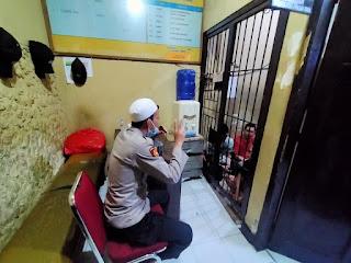 Pembinaan Mental Para Tahanan, Satbinmas Polres Pelabuhan Makassar Gelar Tausyiah Agama