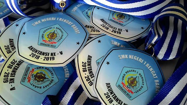 medali pekanbaru, buat medali pekanbaru, medali murah pekanbaru, cetak medali pekanbaru, harga medali pekanbaru, buat medali pku, medali pku, medali murah pku, harga medali pku, medali murah pekanbaru, buat medali pekanbaru,