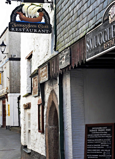 Smugglers Restaurant and narrow lanes in Looe, Cornwall
