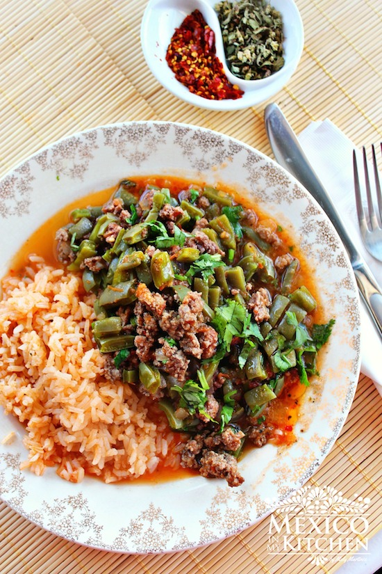 Nopales with ground beef in a piquin sauce mexico in my for What meals can i make with ground beef