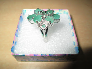 cincin wanita mata batu zamrud