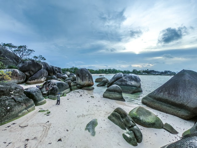 tanjung-tinggi-beach-belitung