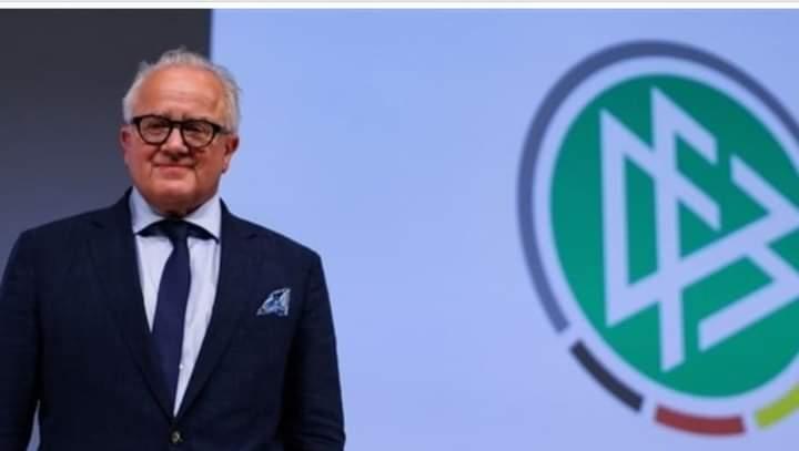 رئيس اتحاد كرة القدم الألماني يتبرع بجزء من راتبه لصالح الأعمال الخيرية