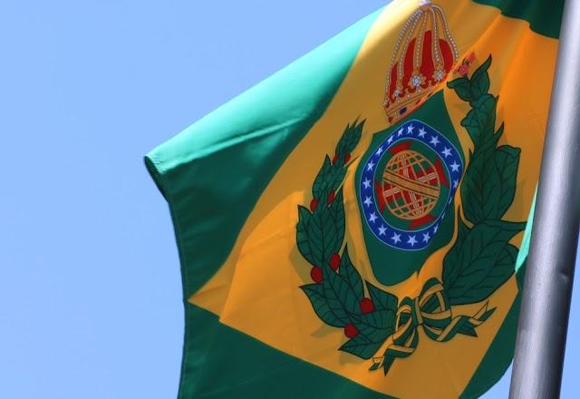 Fux manda TJ de Mato Grosso do Sul retirar bandeira do Brasil Império hasteada na sede do tribunal