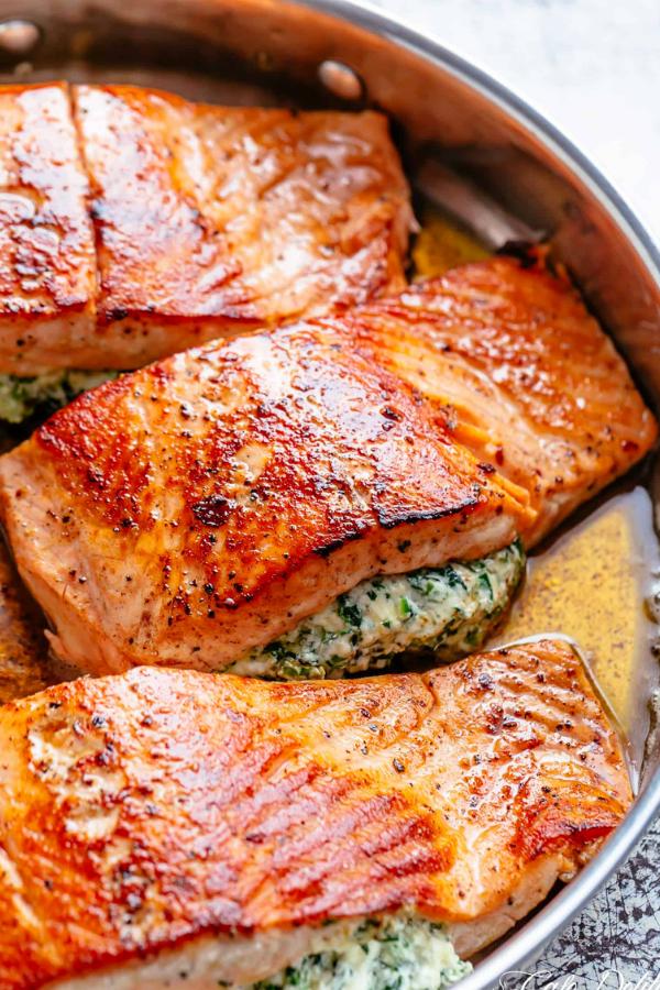 Creamed Spinach–Stuffed Salmon