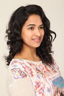 Actress Misha Ghoshal Stills from Unnodu Ka Tamil Movie  0002.jpg