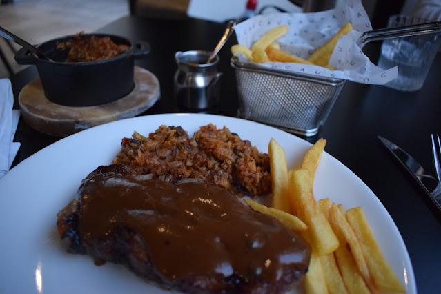 Victoria Gate Leeds Cau Sirloin steak, peppercorn sauce, dirty rice, chips