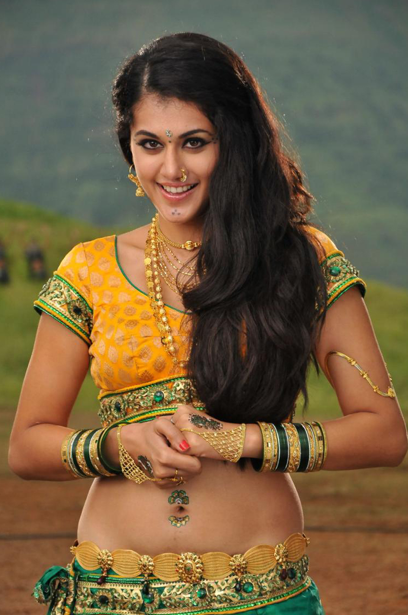 Tapsee New Hot Photos Gallery, Actress Tapsee Latest