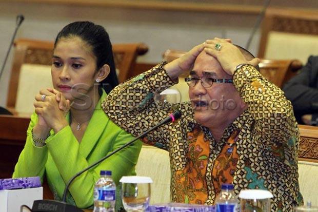 Rapat Paripurna, Ruhut Resmi Dicopot dari Anggota DPR
