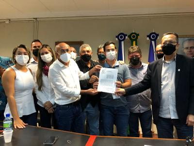 Prefeito assina contrato de construção de duas novas creches para Goiana