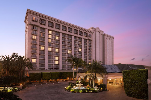 Capturing the essence of Southern California, The Ritz-Carlton, Marina del Rey offers a luxury hotel experience minutes from the beach and LAX.