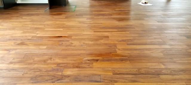 学習施設の床に使用したチーク無垢フローリング