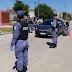 La policía detuvo a un hombre que pretendió burlar un control con documentación adulterada.