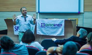 Professores da UFMA podem entrar em greve