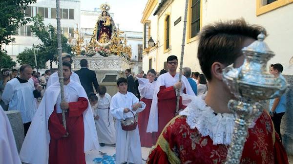 TRASLADO DE MADRE DE DIOS DEL ROSARIO A SU NUEVA SEDE PARROQUIA DE SANTIAGO EN JEREZ
