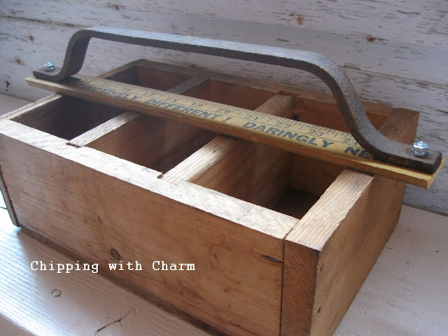 Chipping with Charm: Tote with a Silo Step Handle...http://www.chippingwithcharm.blogspot.com/