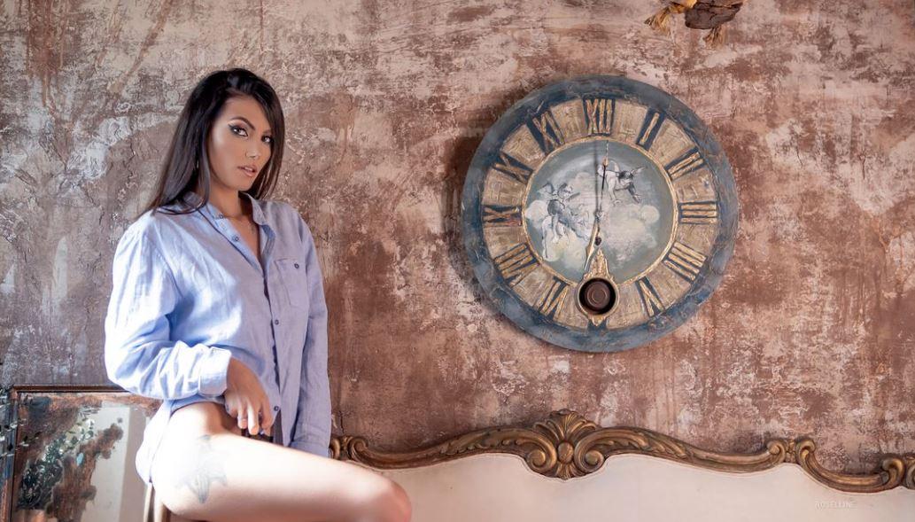 Roselline Model GlamourCams