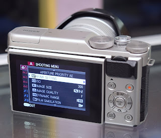 Kamera Mirrorless Fujifilm X-A10 Second di Malang