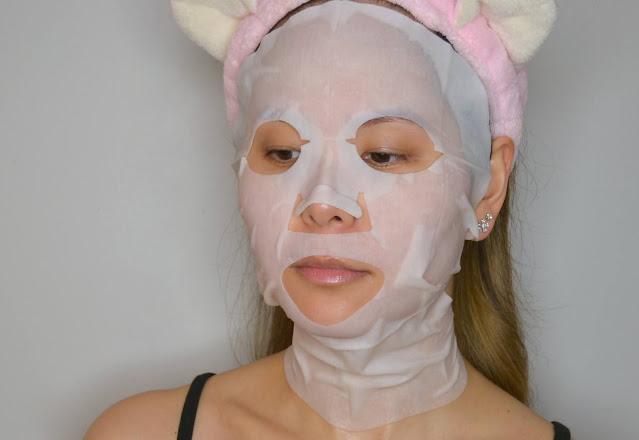 Teaology Sheet Mask Selfie