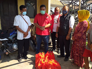 Ketua DPC.PDIP Garut Beserta Simpatisan ( DMO) Kunjungi Rumah Kebakaran