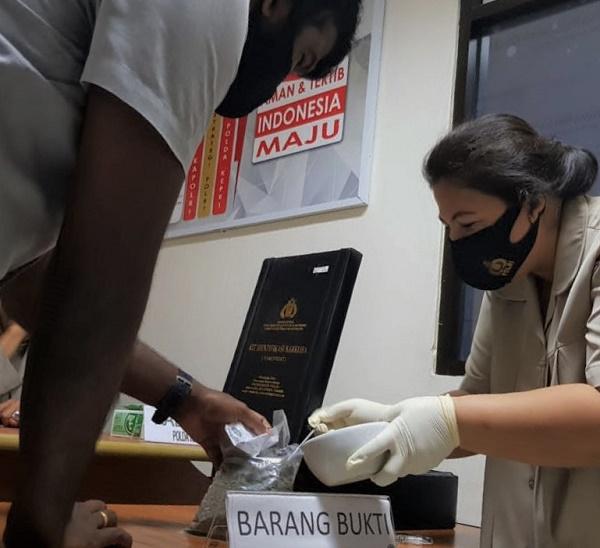 Polda Kepri Musnahkan BB 163,9 Gram Ganja, LP di Kapung Bule Batam