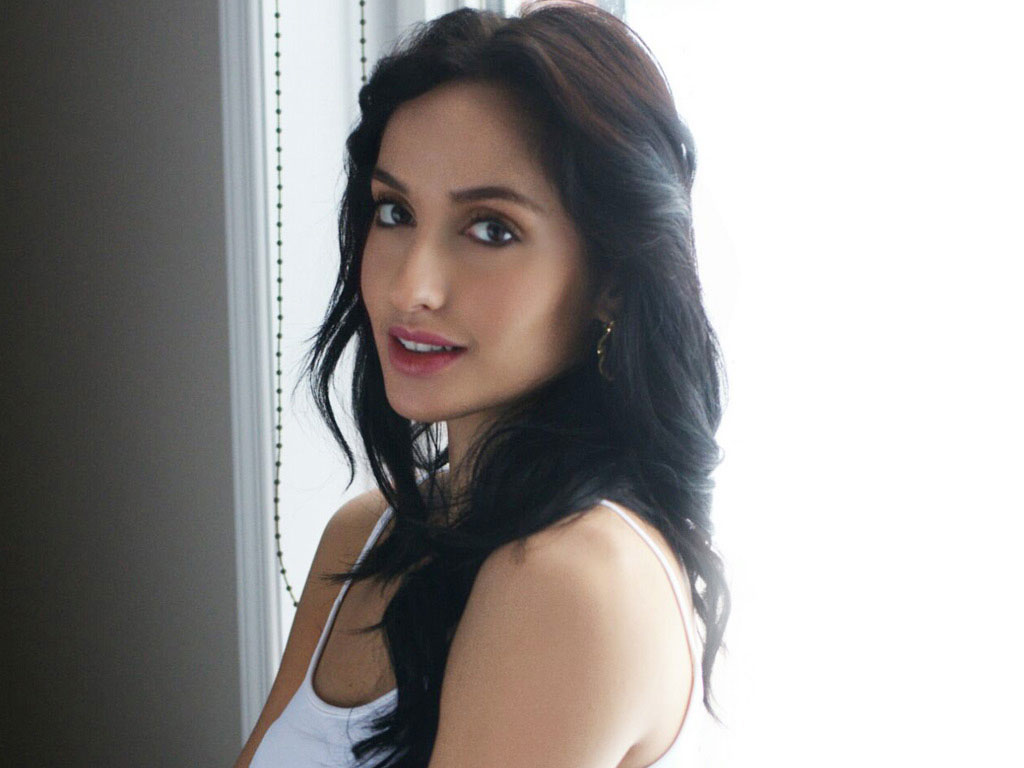 Bollywood Actress Nora Fatehi Latest Pics
