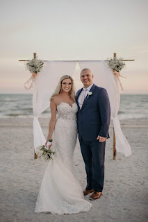 wedding photograph on sanibel isalnd, florida at alter