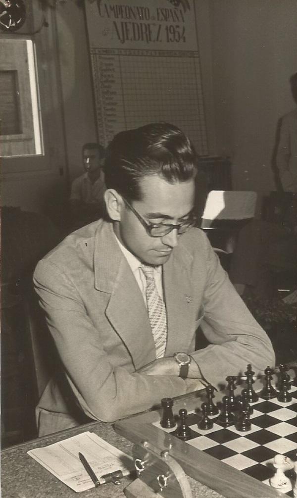 El ajedrecista Jaume Mora Corbella en 1954