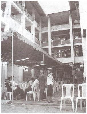 Pertemuan di ruang communal lantai 1 rumah susun Bandarharjo, Semarang