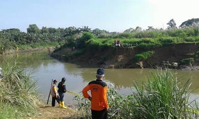 BPBD Kota Bekasi Evakuasi Dua Jenazah yang Hanyut di Sungai
